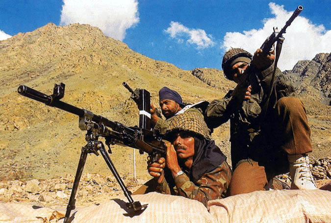 Indian_Army_soldiers_at_India_Ladhak_Tibet(China_Occupied_Tibet)_Border