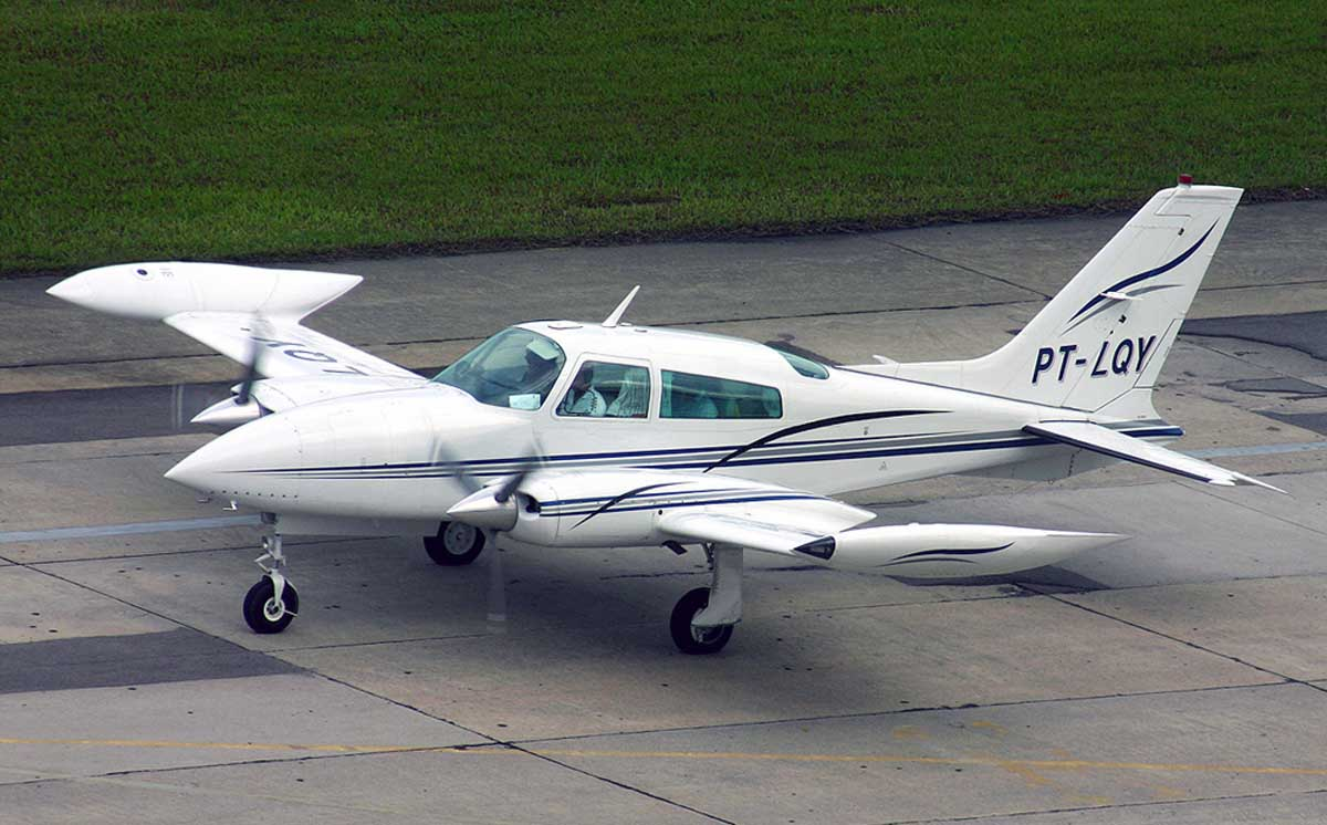 TWIN-ENGINED 'CESSNA 310' AIRCRAFT