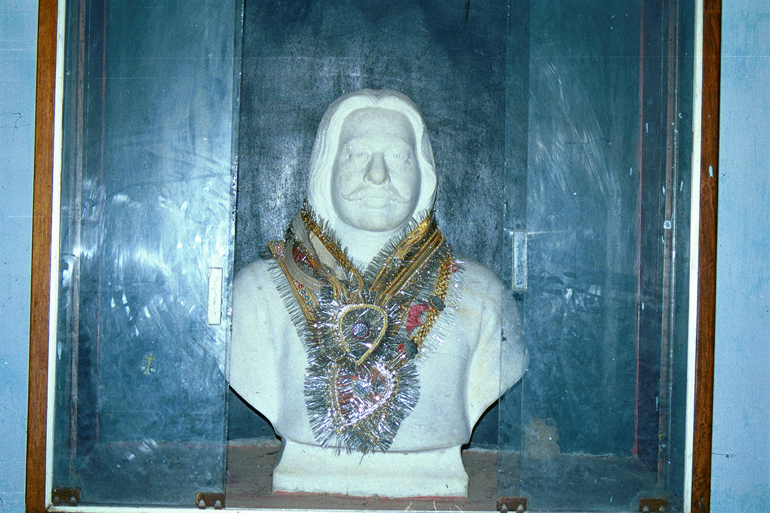 A marble bust (statue) of my Late Great Grandfather Mr J. P. Chaturvedi, ( Congress Party member ) at the 'Mallehpur' railway station. The entire station, including the railway yard was built on our property in the 1920's at 'Mallehpur', Monghyr(District), BIHAR, India