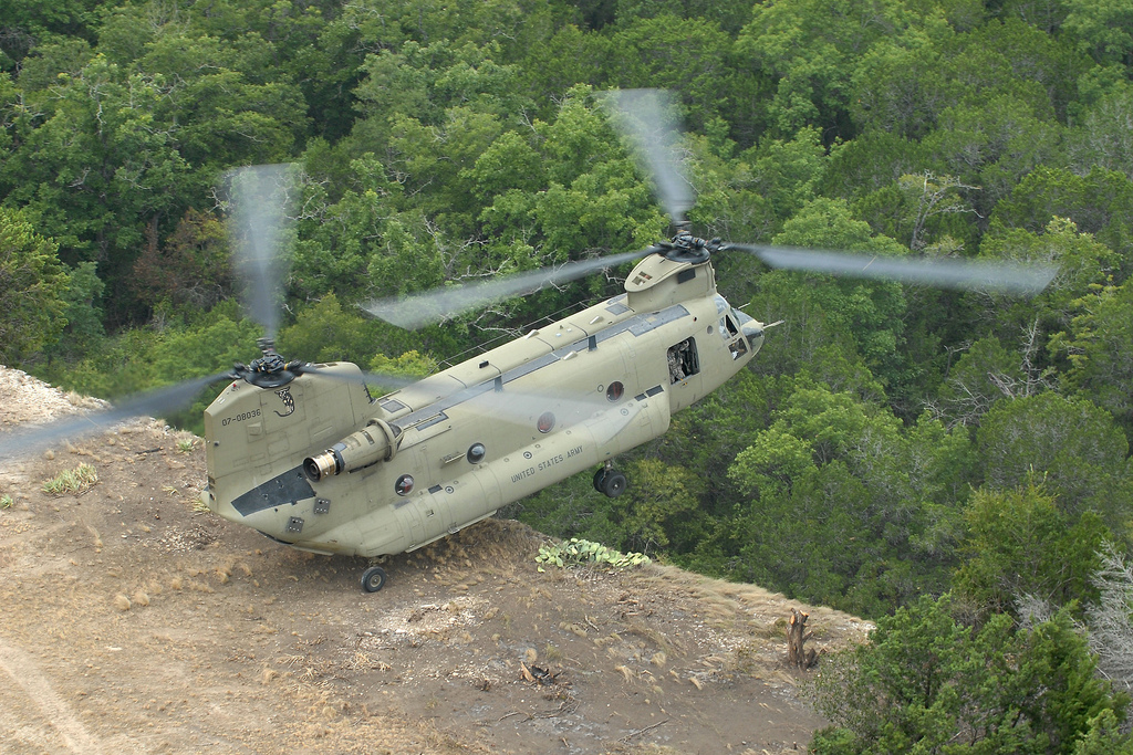 CH-57F Chinook Heavy Lift Helicopter